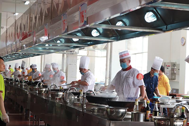 广西高校2018年烹饪技术大赛厨师