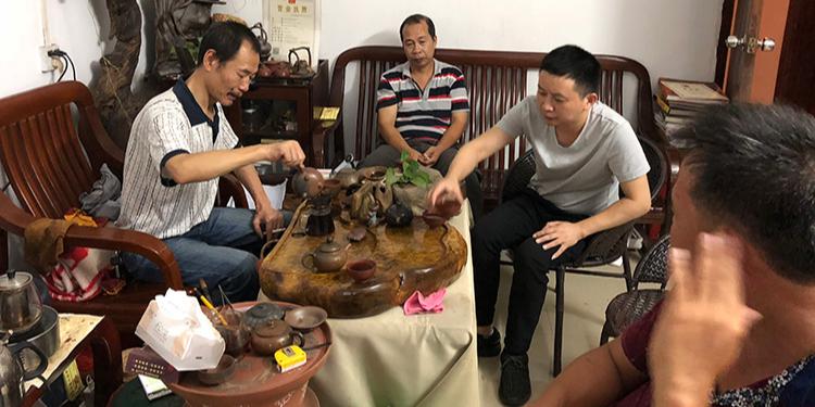 南宁理工工贸有限公司钦州参观广西钦州市肖峰坭兴彩陶有限公司