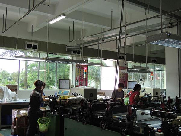 ZLG理工厂房通风降温管道